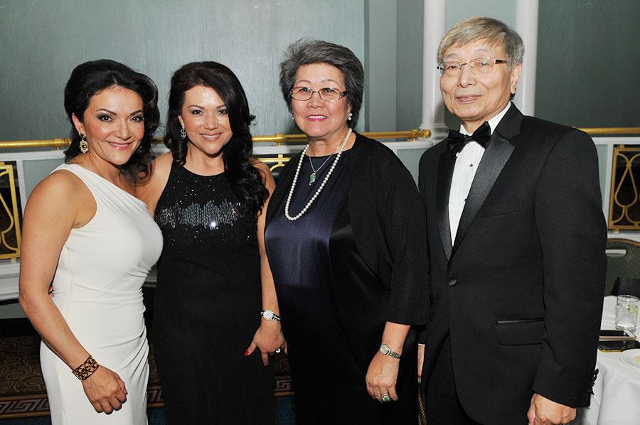 2015 Trailblazer Award Honoree Nina Vaca and Clarion Award Honoree Albert Chen with guests.