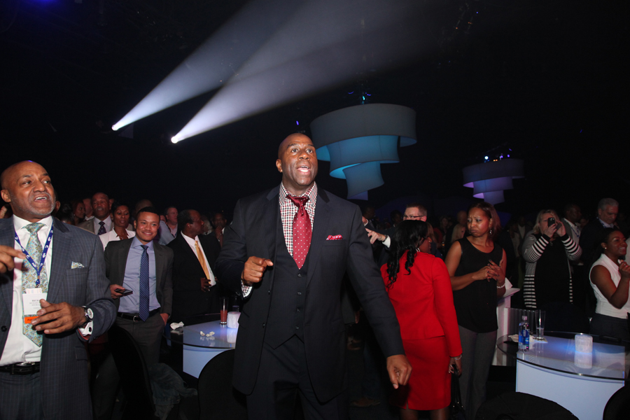 Magic Johnson dancing to Earth, Wind & Fire